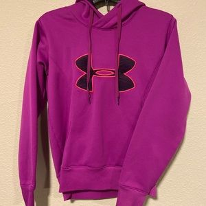 Under Armour Hoodie with front pocket